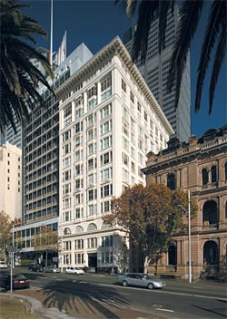 The Astor, Macquarie Street, Sydney, 1923, by Donald Thomas Esplin and Stuart Mill Mould. Image: Eric Sierins, 2006.