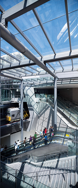 The pedestrian link to Victoria Avenue. Escalators, stairs, lifts and clear views connect different levels of the interchange with each other and surrounding streets.